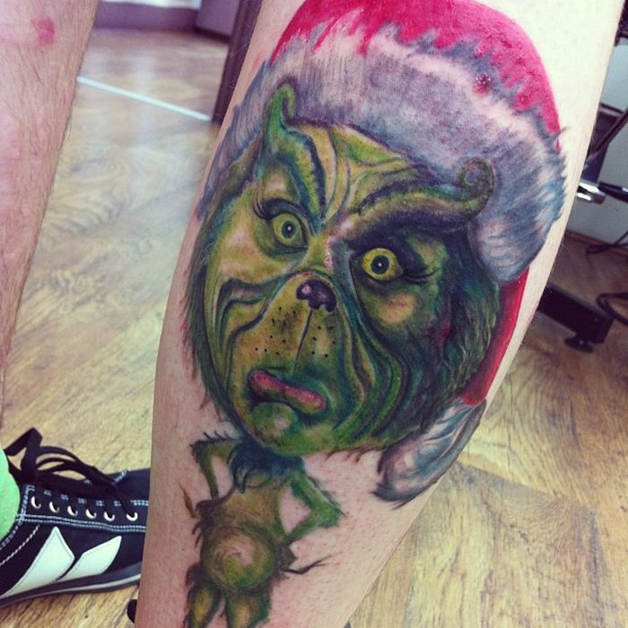 Good Christmas Tattoos (19 pics)