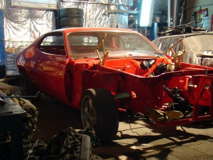 Plymouth Roadrunner Restored (22 pics)