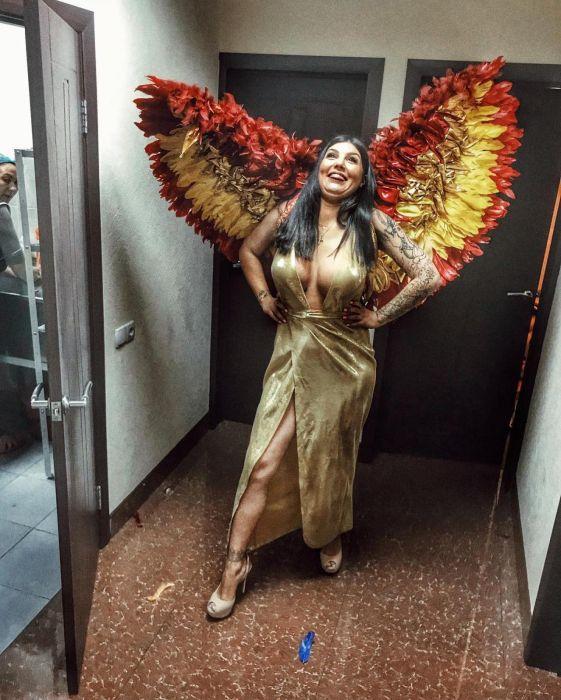 Russian Kim Kardashian Lyudmila From Saratov (15 pics)
