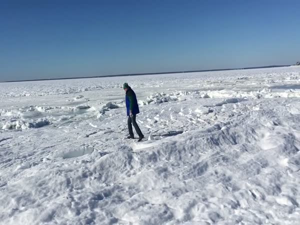 It's So Cold That This Whole Ocean Is Frozen
