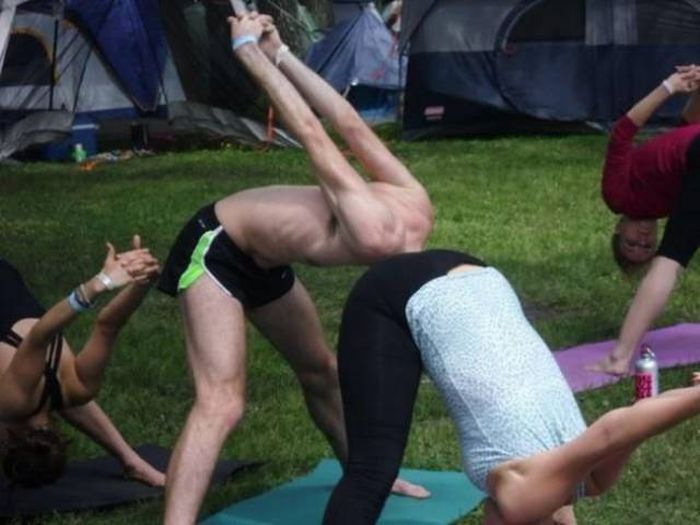 There Is Something Strange In These Photos (28 pics)