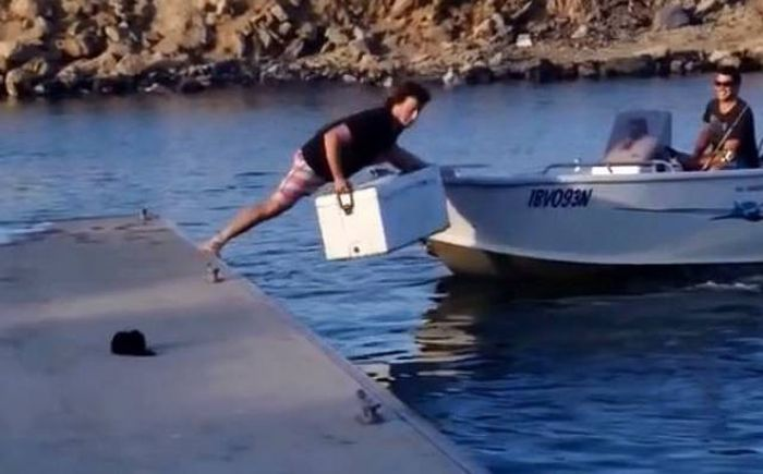 Fishing Fails And Funny Pictures (27 pics)