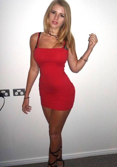 Hot Girls In Tight Dresses 53 Pics-1668
