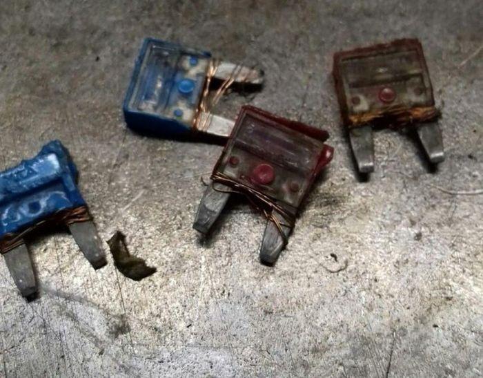 Bad And Cheap Car Repairs (20 pics)