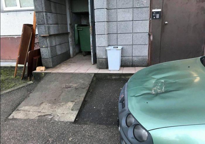 Revenge For A Bad Parking In Latvia (2 pics)