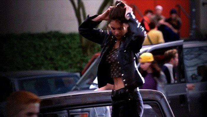 Hot Girls From The 90s (16 gifs)