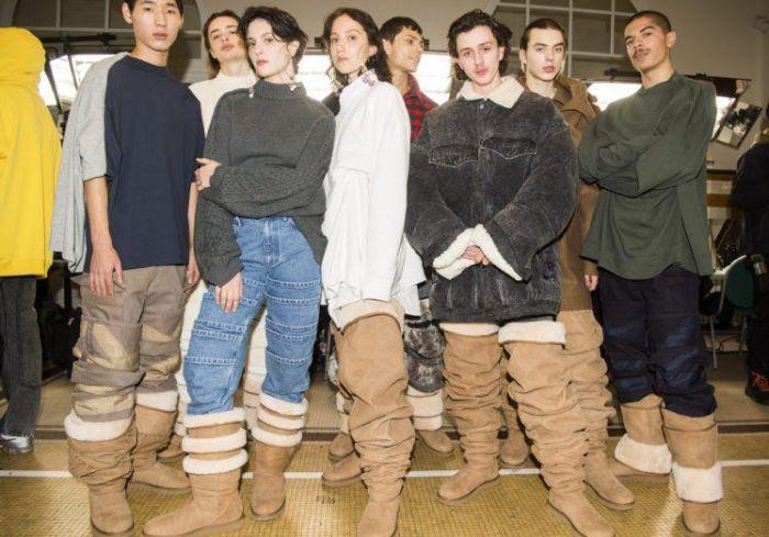 Thigh-High Ugg Boots (4 pics)
