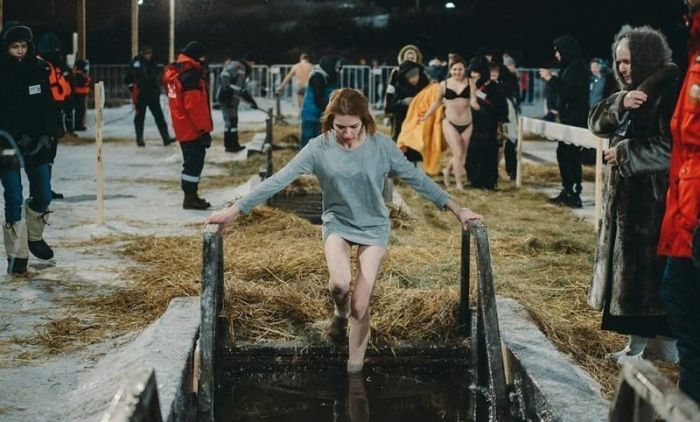 Russian Gris Take Dip In Icy Water To Mark Orthodox Epiphany. Part 2 (30 pics)
