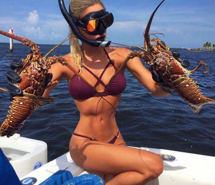 Bikini Model Who Loves Fishing (15 pics)