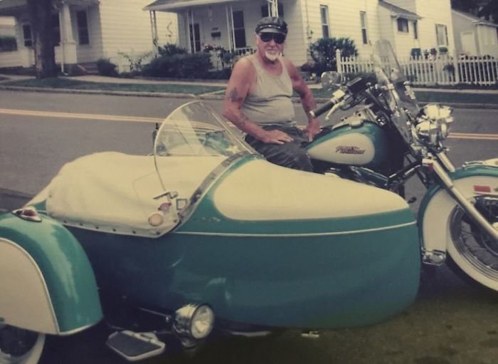 Man And His Motorcycle Together Until The End (4 pics)