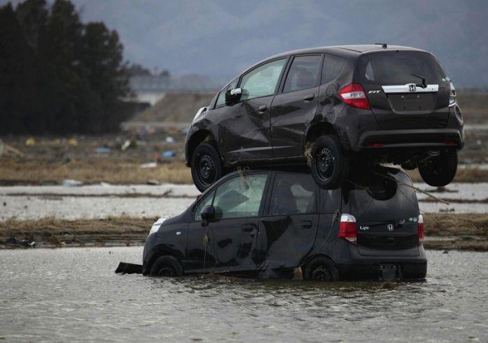 Strange Car Accidents (15 pics)