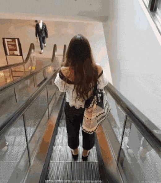 Fun With Escalators (14 gifs)
