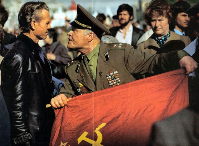 Photographer Jon Thompson in the USSR And Russia In The 1990s (38 pics)