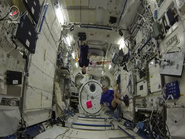 ISS Crew Held The First Badminton Tournament in Space