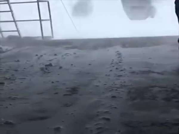 Skiers Trapped On Ski Lift In 100 Mph Winds Gusts