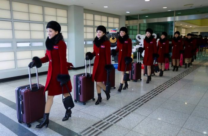 Fans From North Korea Came To The Olympics In South Korea (7 pics)
