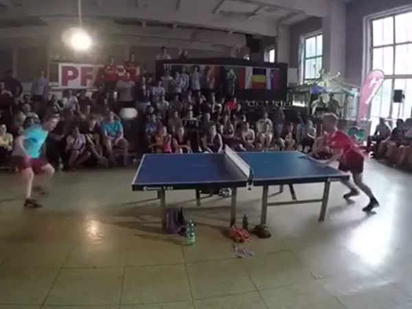 This Is How To Play Table Tennis With Your Head