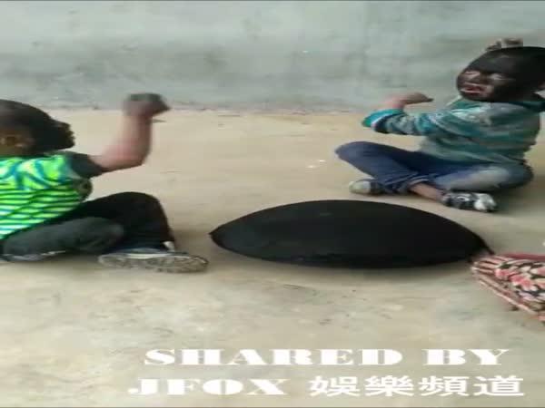 How Asian Kids Play Rock, Paper, Scissors