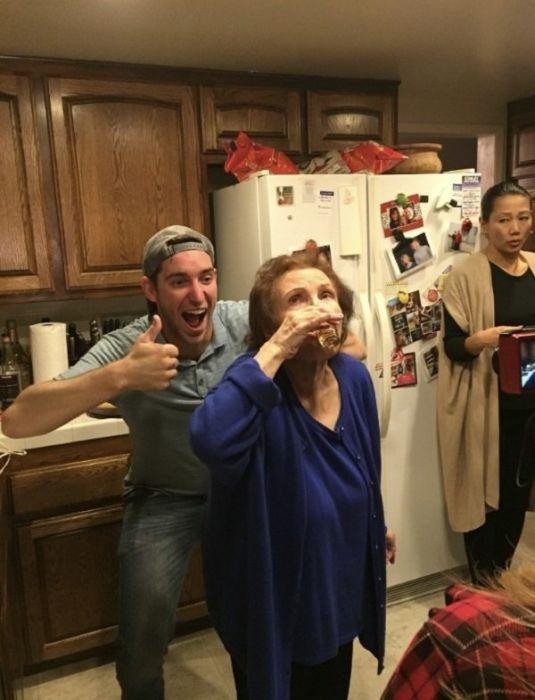 Drunk People (24 pics)