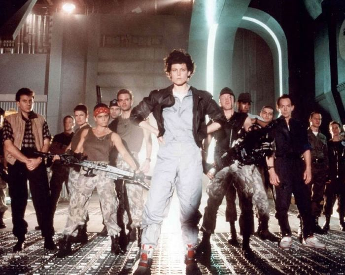 Photos Of The Aliens Movie (25 pics)