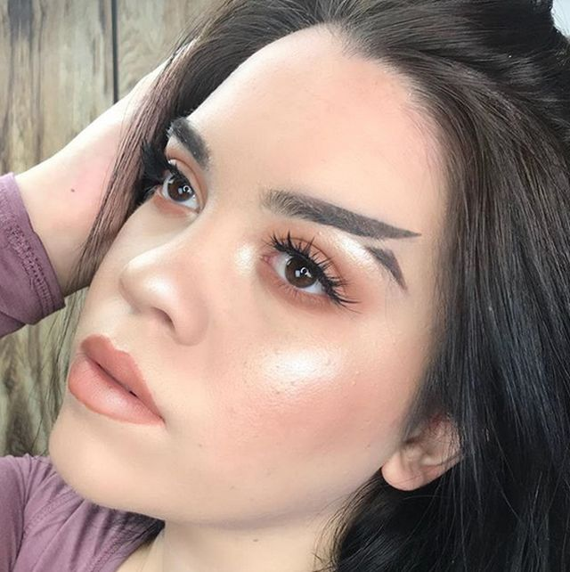 Fishtail Brow Is A New Trend (6 pics)