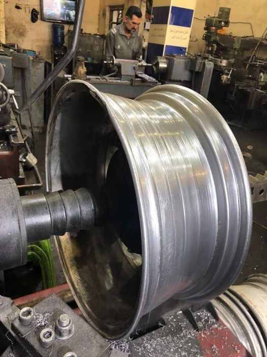 Repair Of A Wheel (7 pics)