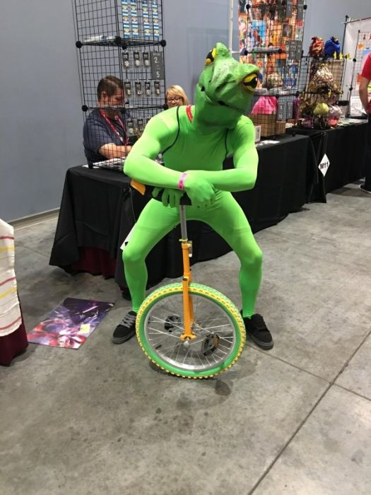 Meme Costumes (32 pics)