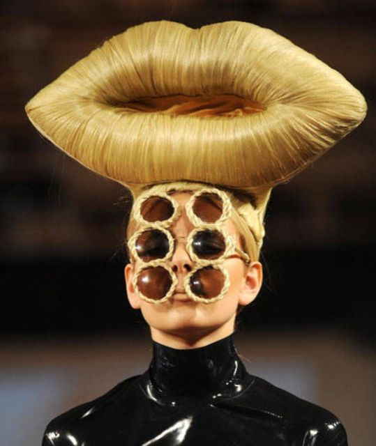 Strange Fashion (27 pics)