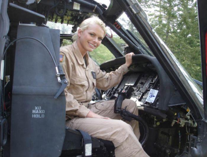 Military Girls (35 pics)