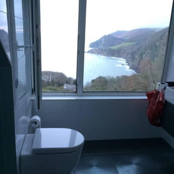 Most Unusual Bathrooms (25 pics)