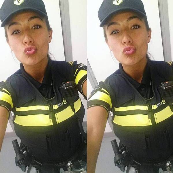 This Girl Is A Very Pretty Cop (25 pics)