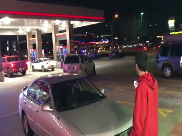 Grand Prairie Police End Pursuit in Busy Gas Station Parking Lot
