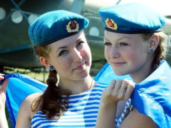 Russian Military Girls (34 pics)