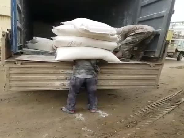 How Builders Bring up Cement Bags in Russia