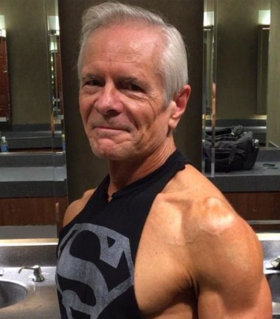 68-Year-Old Man With A Six-Pack (6 pics)