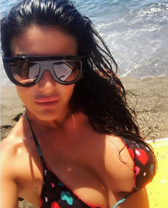 Italian Pesenter Barbara Francesca Ovieni Is The Reason More People Watch Sport TV  (25 pics)