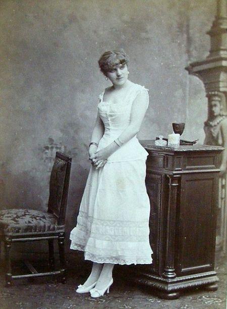 Prostitutes of paris in the 19th century 17 pics for Salon prostitution paris