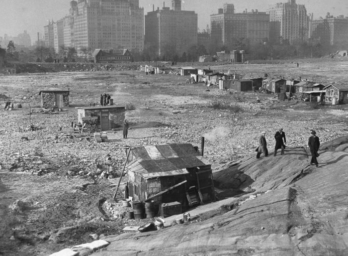 Central Park During The Great Depression And Now (2 pics)