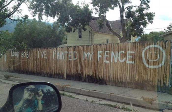 Passive-Aggressive Disputes By Neighbors (17 pics)