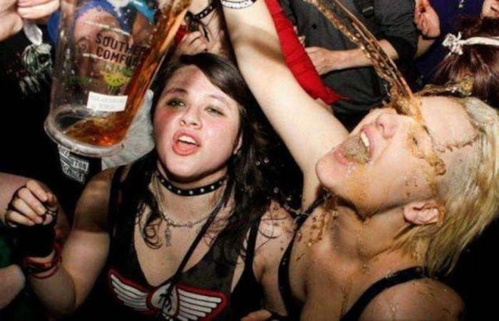 Party Girls Have Fun (39 pics)