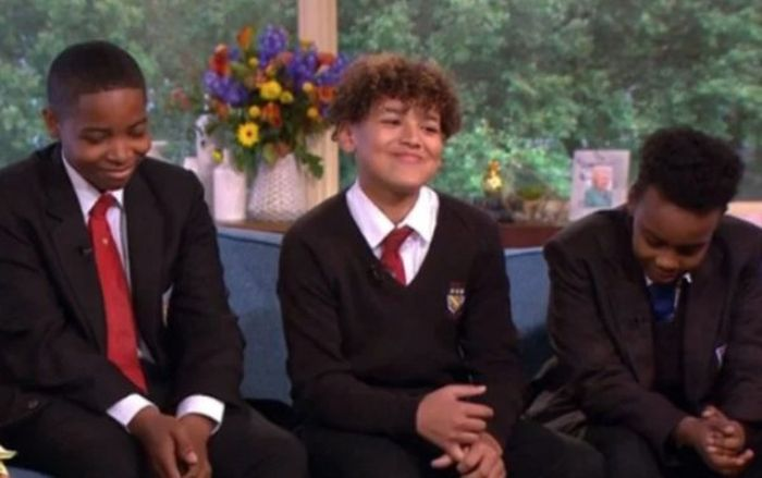 How Three Schoolboys Saved A Man's Life (3 pics)