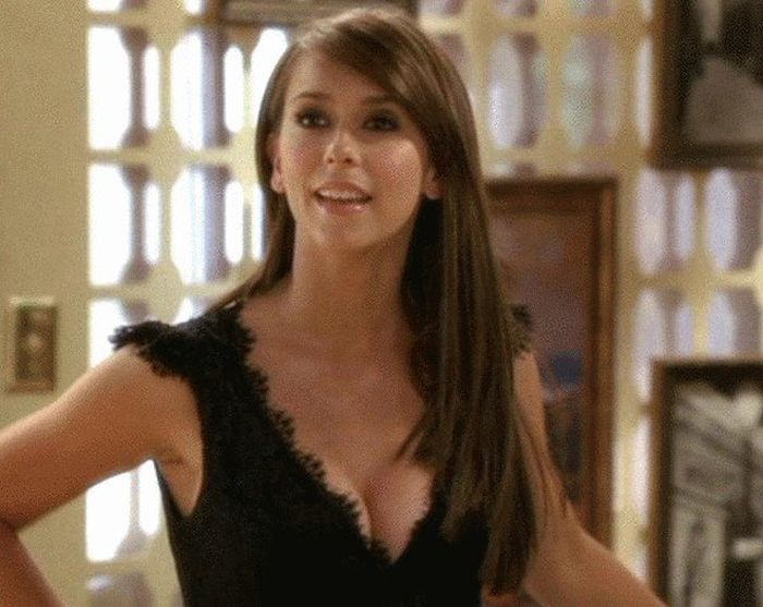 Young Jennifer Love Hewitt Looks Hot (16 gifs)