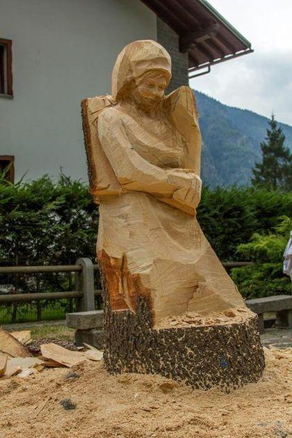 Wood Sculpture (8 pics)