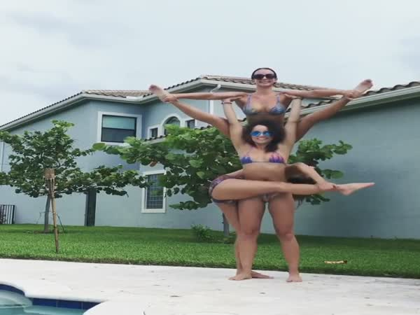 Acrobatics In Bikinis - This Is What's Really Awesome!