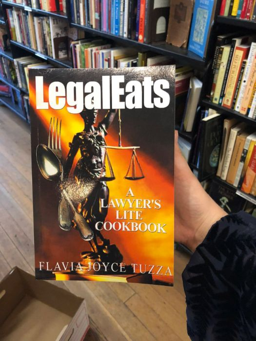 Unusual Finds In The Bookstore (20 pics)