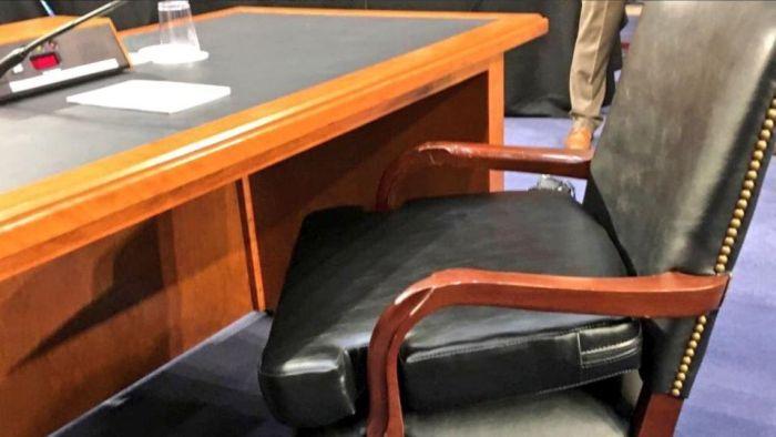 Mark Zuckerberg In The Senate (4 pics)