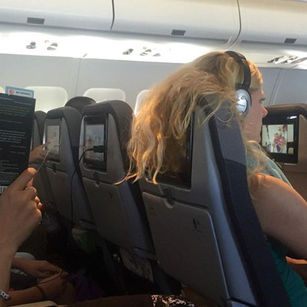 These Airline Passengers Are Your Nightmare (18 pics)