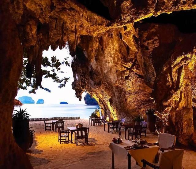 Unusual And Beautiful Restaurants (25 pics)