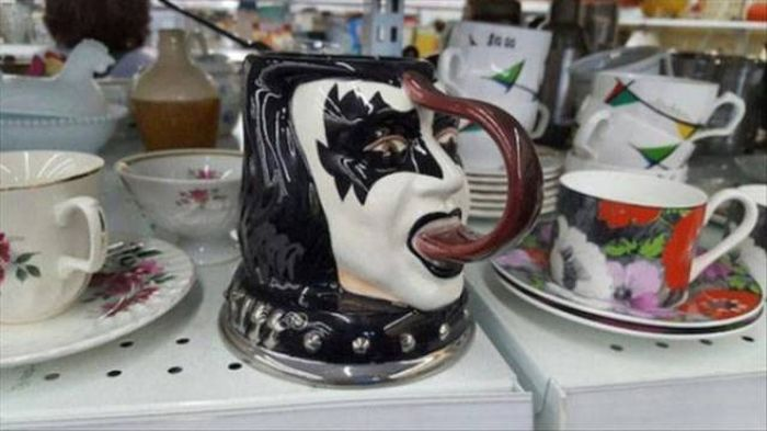Strange Stuff From Thrift Shops (52 pics)