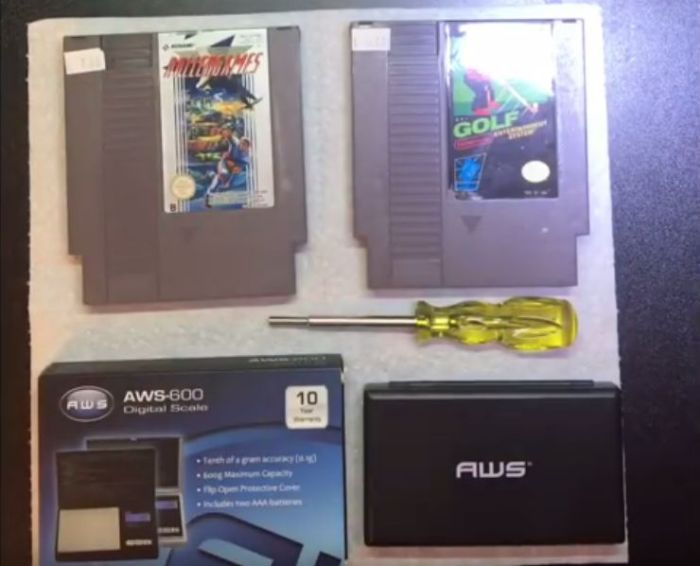 Drugs Found Inside Old NES Cartridges (6 pics)